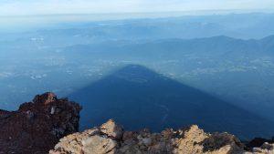 富士山登山なかなか見れない影富士